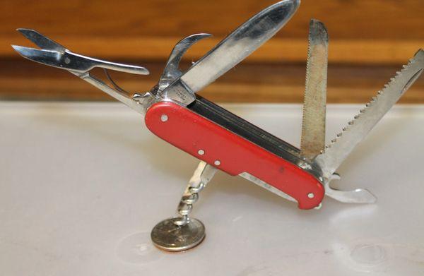 Multi Use 8 Tool Pocket Knife