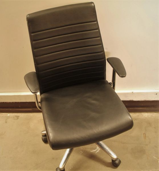Black Leather Hi-Back Desk Chair with Arms