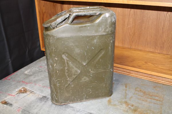 Us Military 5 Gallon Jerry Can