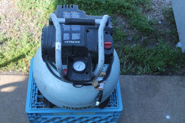 Hitachi EC710S Pancake Air Compressor