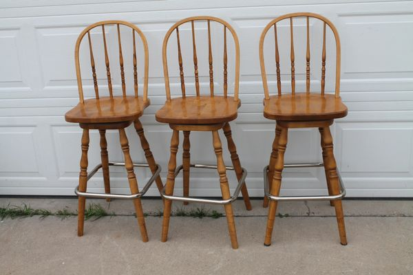 3 Swivel Oak Bar Stools