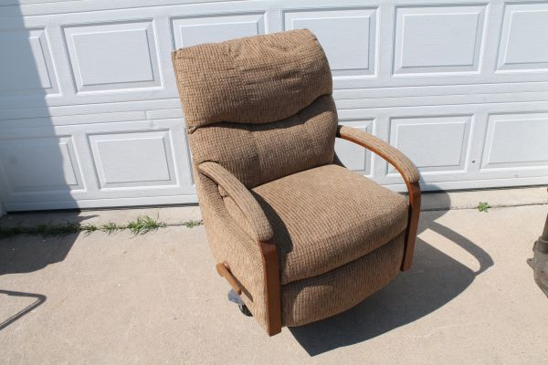 Lazy Boy Swivel,Rocker Recliner