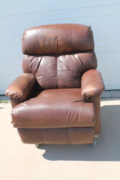 Brown Leather Lazy Boy Rocker/Recliner