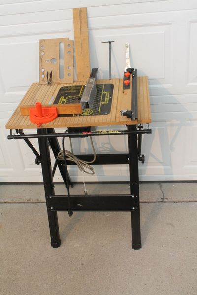 Portable Table Saw w. Black And Decker U-130 7.25'' Utility Saw.