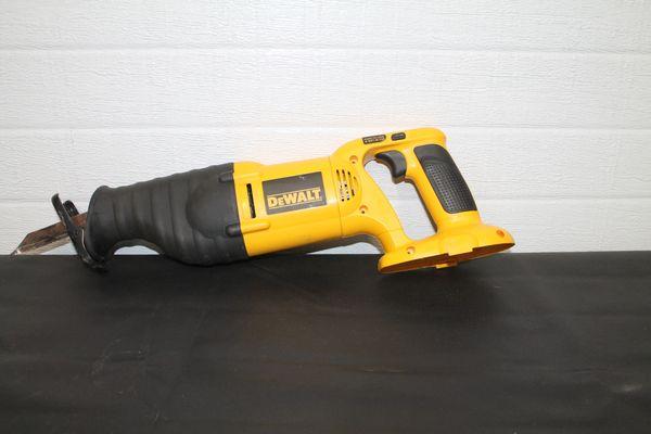 Dewalt DW938 18 Volt Variable Speed Reciprocating Saw