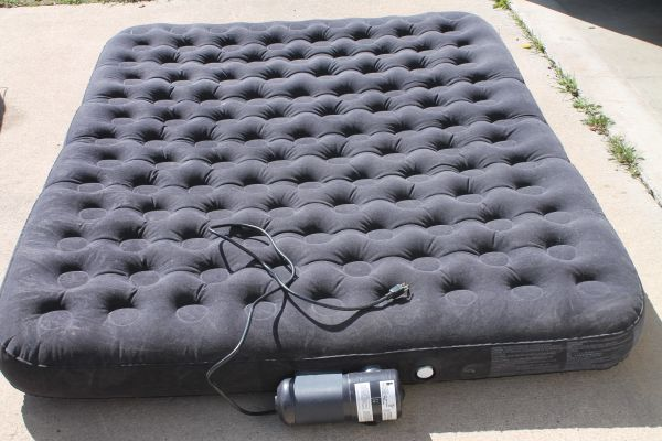 Intex Fast Fill Electric Self Contained Air Pump / Mattress