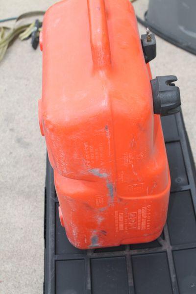 Yamaha 6.6 Gallon Plastic Boat Fuel Tank