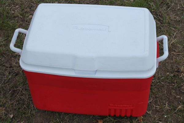 Rubbermaid 48 Quart Cooler