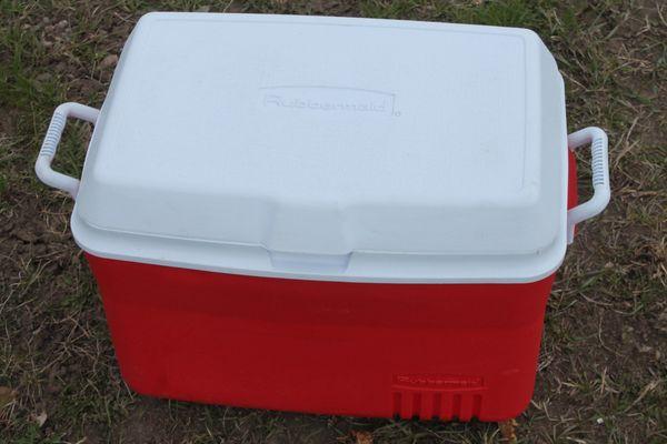Rubbermaid 48 Quart Cooler