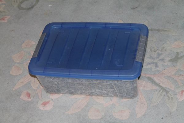 33.5 Lbs. Of 1.5'' Galvanized Roofing Nails With Neoprene Seals