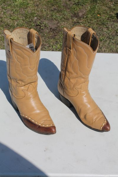Tony Lama Womans Western Boots ( Size 8.5 )
