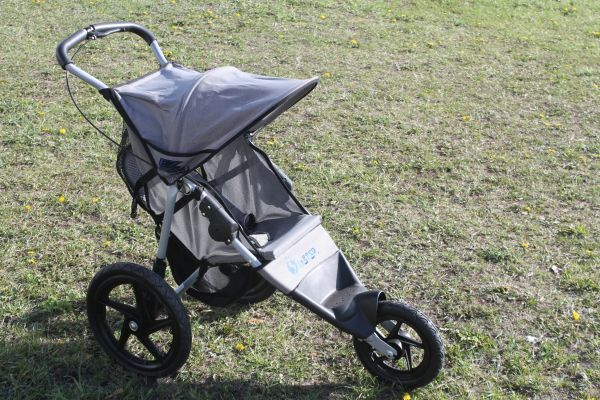 Pacific Cycle In Step 3 Wheel Jogger/Stroller