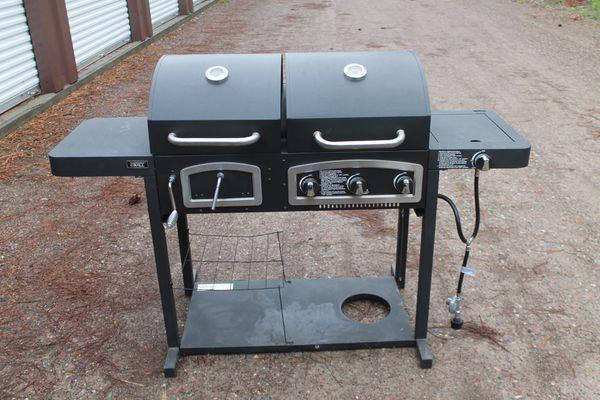 Backyard Dual Fuel Propane/Charcoal Combo 3 Burner Grill
