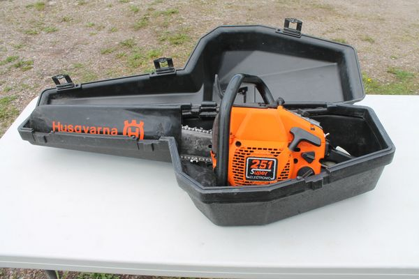 Husquvarna 251 Super Electronic Chainsaw With Case