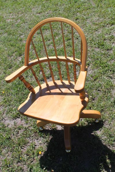 Maple Desk Chair On Rollers