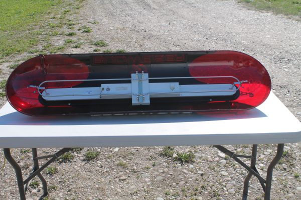 Vintage Budweiser Florescent Pool Light With New Bulbs