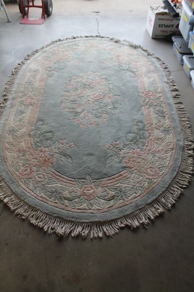 100'' X 66'' Heavy Oval Carpet With Fringe