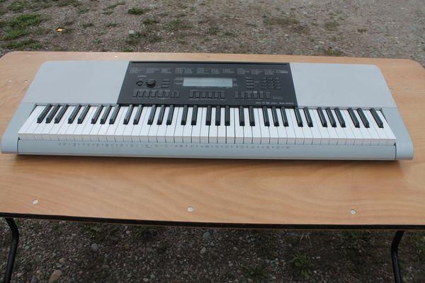 Casio WK-220 76 Key Keyboard