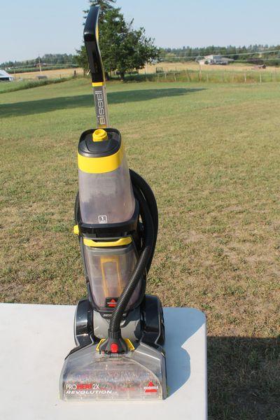 Bissell Pro Heat 2X Revolution Carpet Shampooer