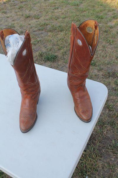 Tony Lama Style # 6421 Size 9D Western Boots