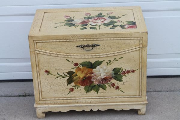 Hand Painted Lift Top Blanket Chest