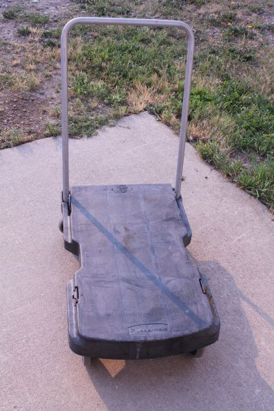 Rubbermaid Triple Trolley 250 Lb. Fold-Up Moving Cart
