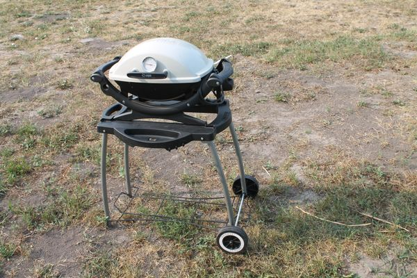 Weber Q140 Portable Electric Bar-B-Q With Stand