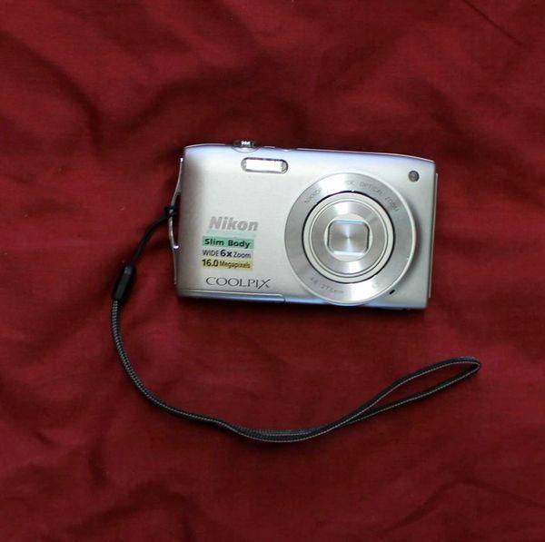 Nikon 16MP Coolpix S3200 Digital Camera