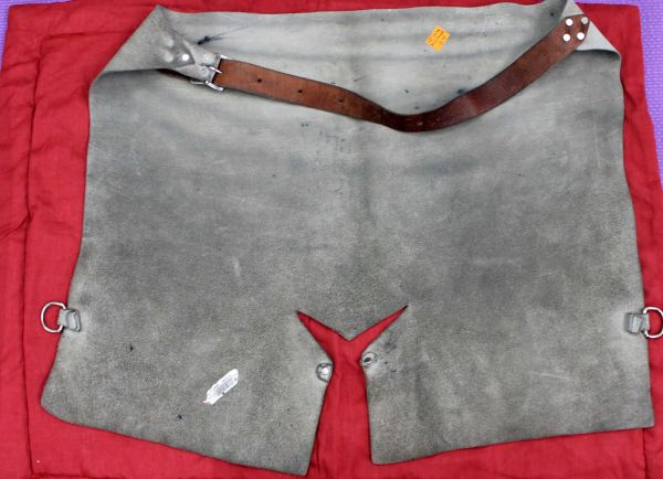 Shoeing Chaps Apron