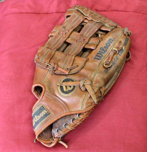 "Vintage Wilson Boss A9840 Softball Baseball Leather Glove Mitt 13"" RHT"