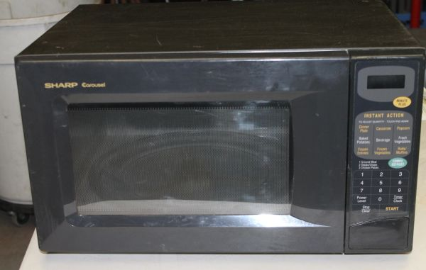 Sharp Carousel Microwave 1100 Watt