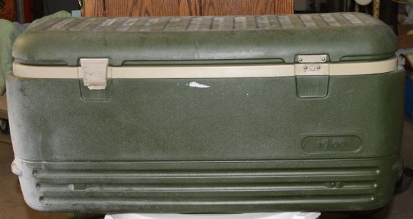 "Large Igloo Trunk Cooler 38"" Green & White"