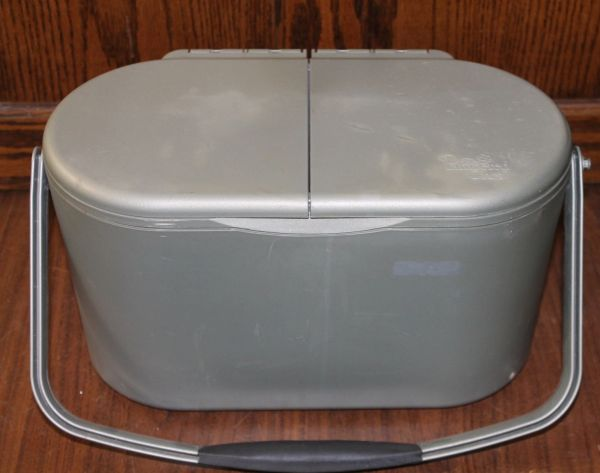 The Pampered Chef Oval Cooler Adjustable