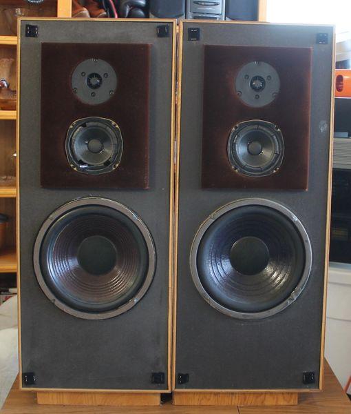 Speaker Lab Floor Standing Speakers