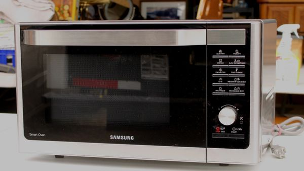 """""""Samsung Smart Oven"""" SS Counter Top Convection Microwave Oven"""