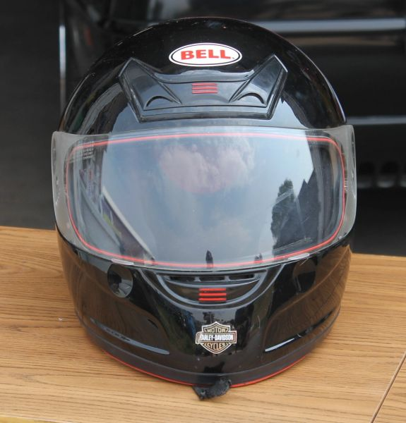 Bell Full Face Helmet w/ Harley Davidson Decals=Medium ( Black )