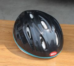 Bell Bicycle Helmet A-12315429 Black and Turquoise