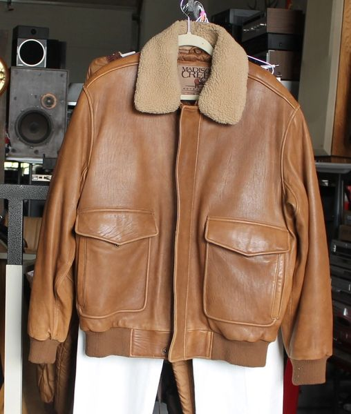 Madison Creek Outfitters Brown Leather Bomber Jacket = Large