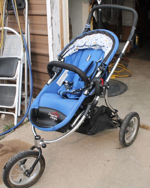 Dreamer Design 3-Wheel Jogging Stroller