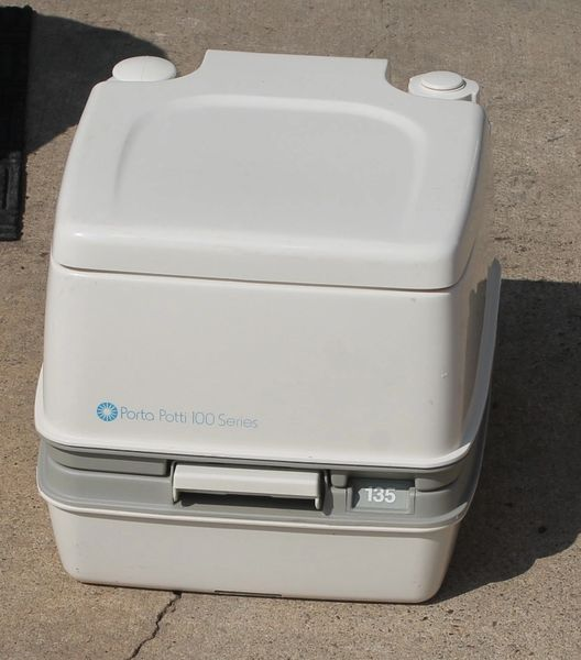 Porta Potti 100 Series
