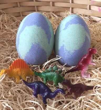 Dinosaur Egg Hidden Toy Bath Bomb 🐰