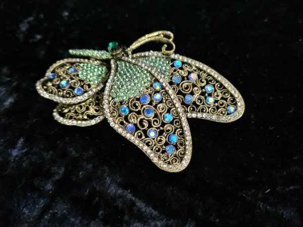 Vintage look butterfly brooch