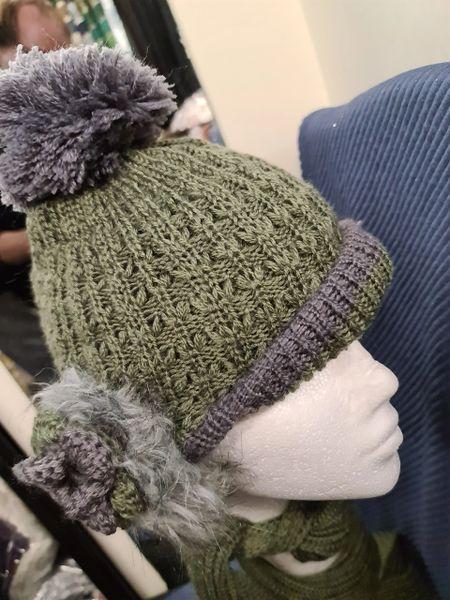 Green hat & scarfset