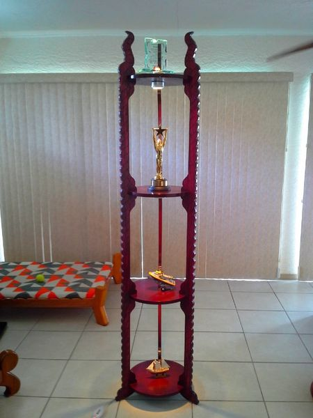 TORPHY STAND