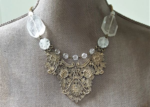 VIKA - Metal Lace Bib Necklace