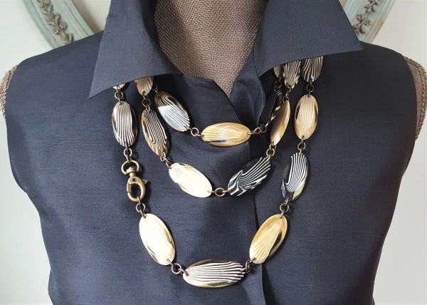 Art Deco Italian Lucite Necklace