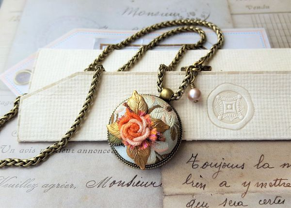 BERNADETTE - French Embroidered Textile Necklace