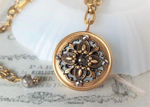 RIYA - Heirloom Pendant Necklace