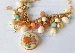 LIA - Satsuma Bib Necklace