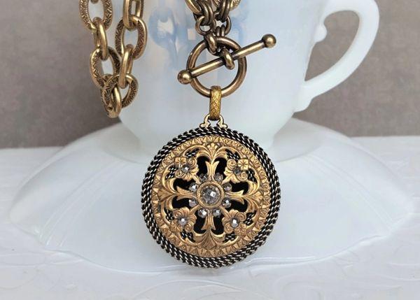 RIKI - Antique Button Necklace